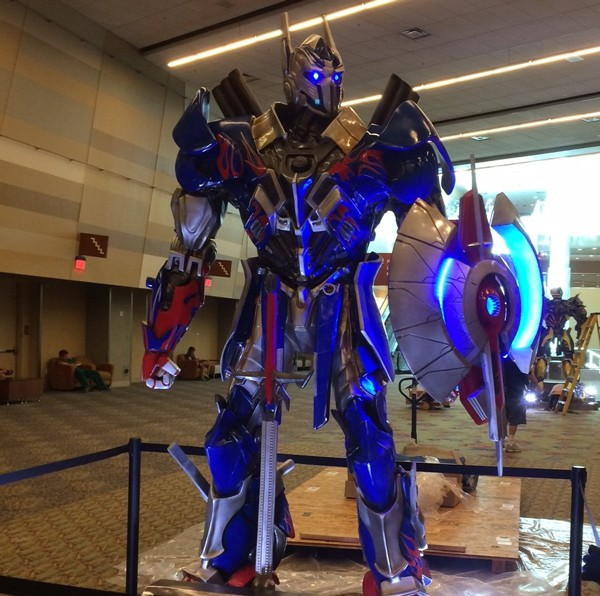 Press Release: Transformers: Age of Extinction Comes to Phoenix Comicon